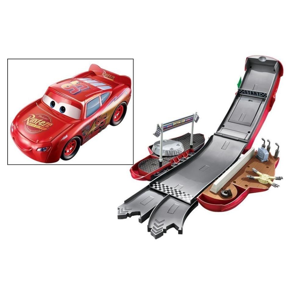 Obrázek 2 produktu Cars Transformující se Blesk MCQueen, Mattel DVF38