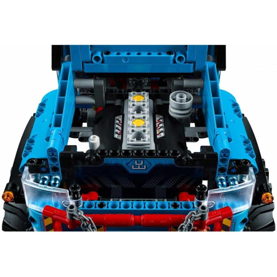 Obrázek 3 produktu LEGO TECHNIC 42070 Terénní odtahový vůz 6x6