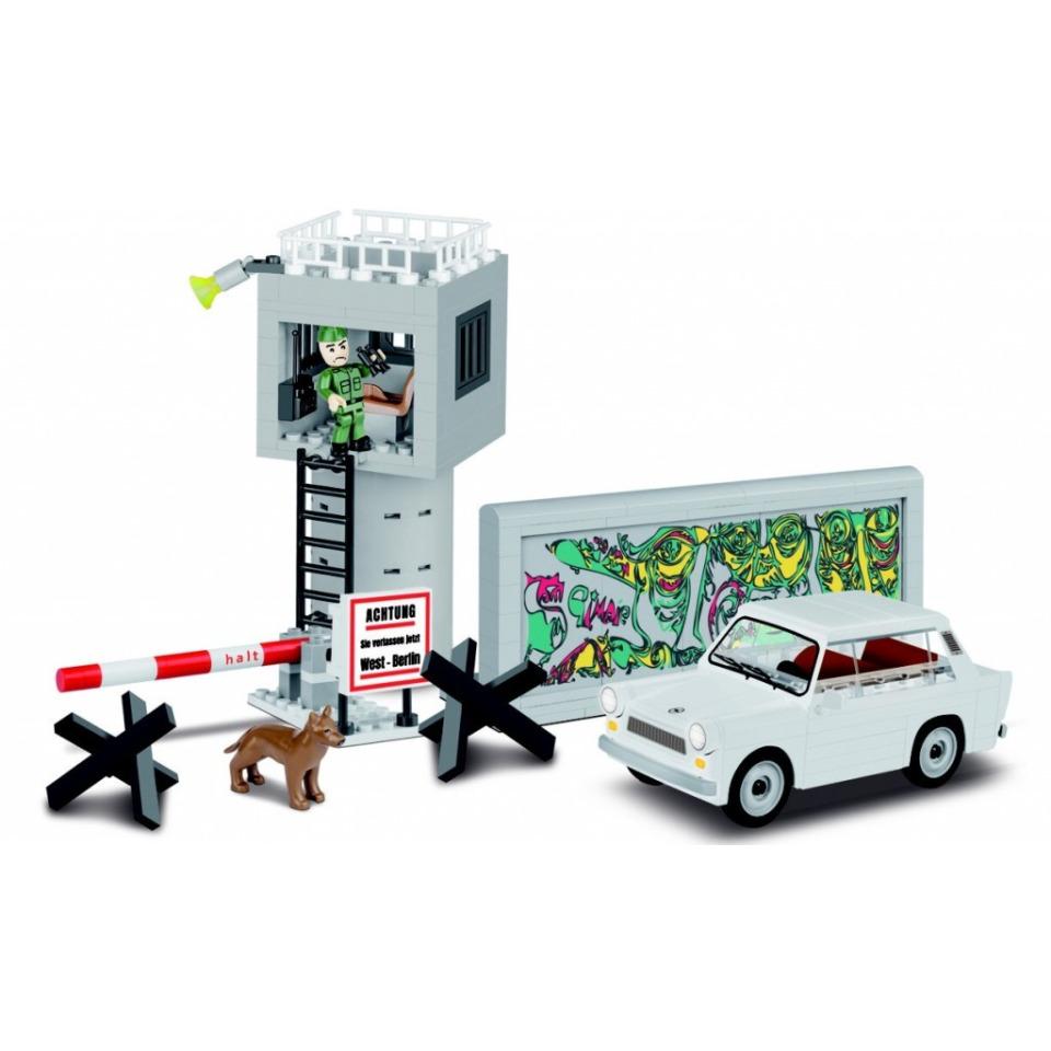 Obrázek 2 produktu Cobi 24557 Youngtimer – TRABANT 601 DDR Berlínská zeď