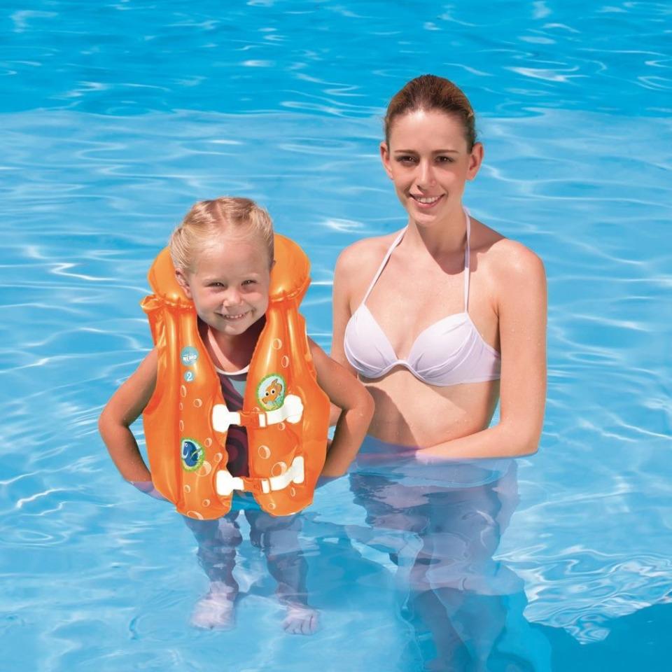 Obrázek 1 produktu BestWay Nafukovací vesta plavací Hledá se Nemo, 51x46 cm