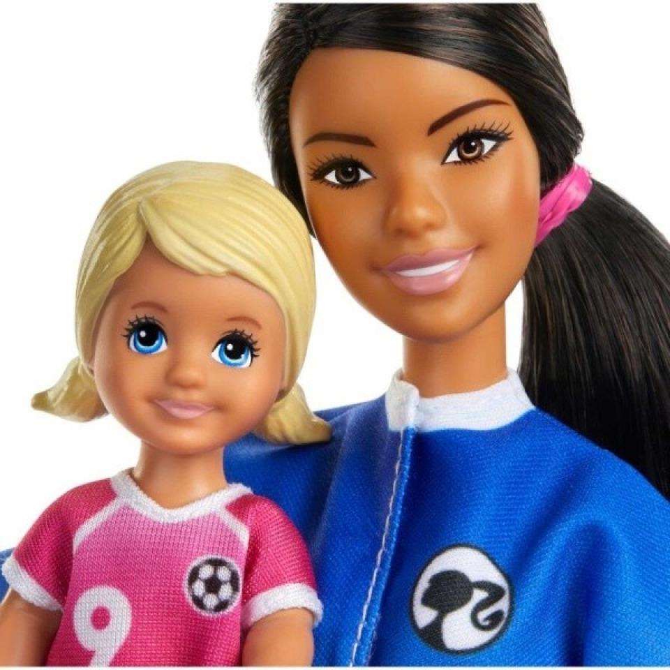 Obrázek 2 produktu Mattel Barbie fotbalová trenérka s panenkou herní set brunetka, Mattel GLM71