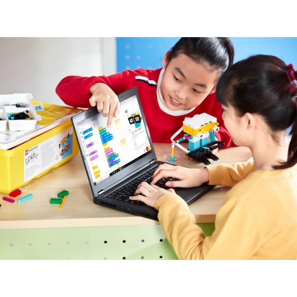 Obrázek 2 produktu LEGO Education 45678 SPIKE Prime Základní souprava