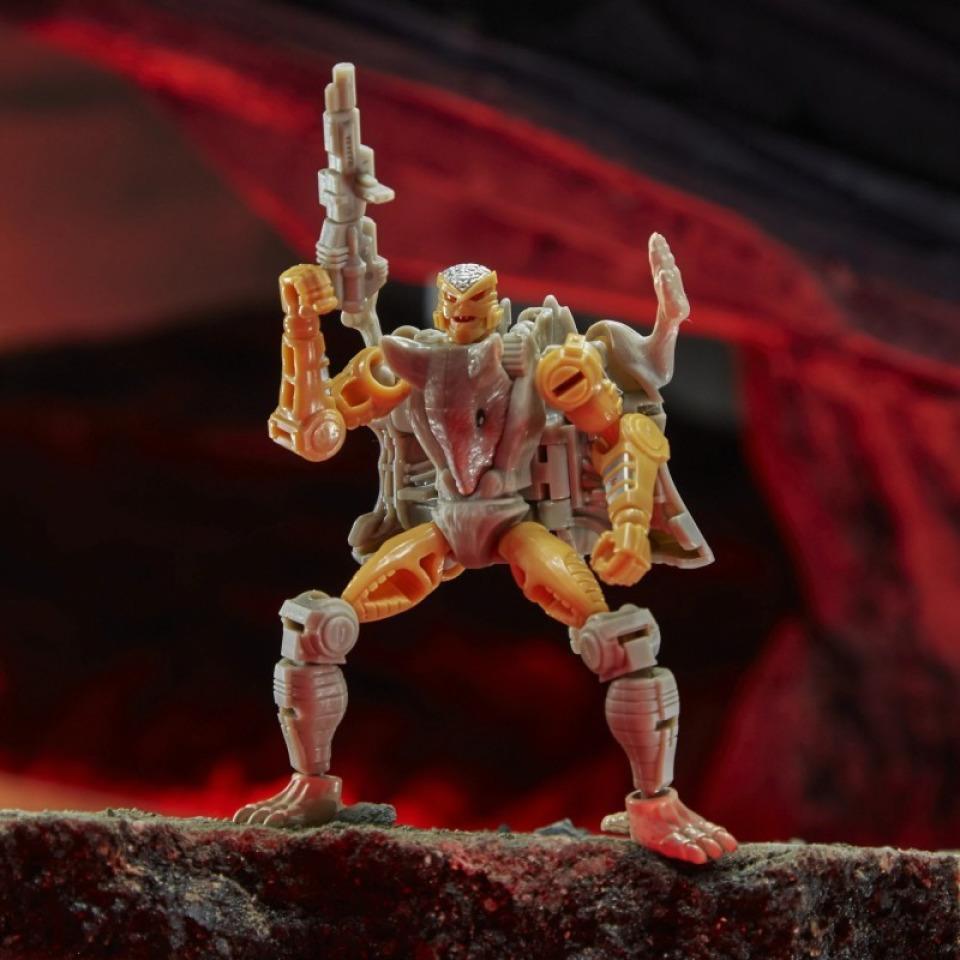 Obrázek 2 produktu Transformers Generations WFC Kingdom Core RATTRAP , Hasbro F0664