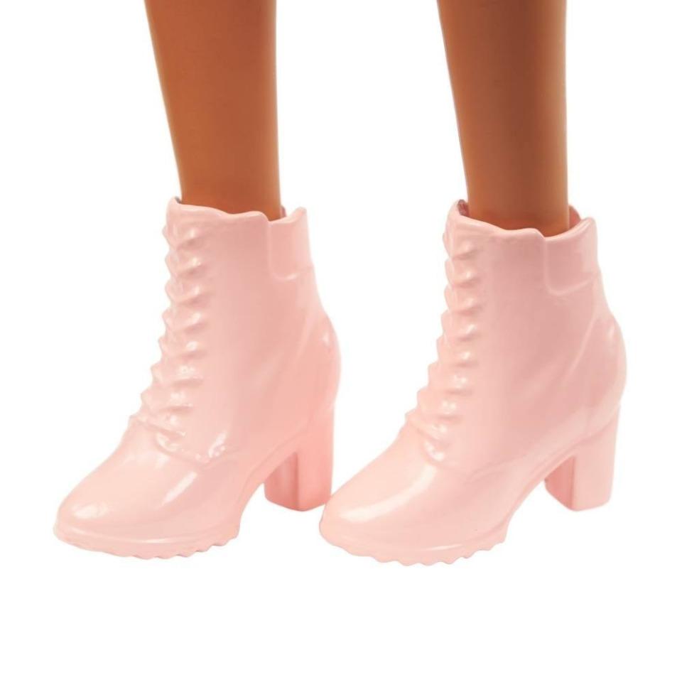 Obrázek 3 produktu Barbie modelka 140, Mattel GYB01