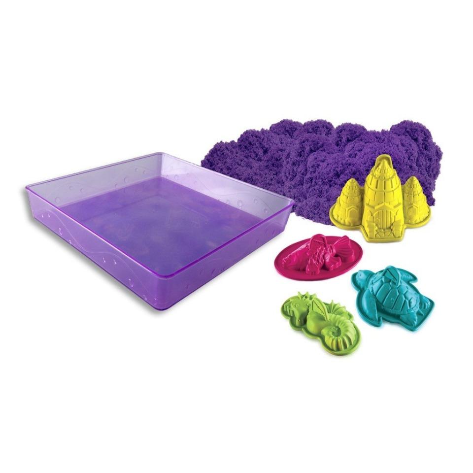Obrázek 1 produktu Kinetic Sand Písečný zámek s formičkami a hrací vanou fialový 454g