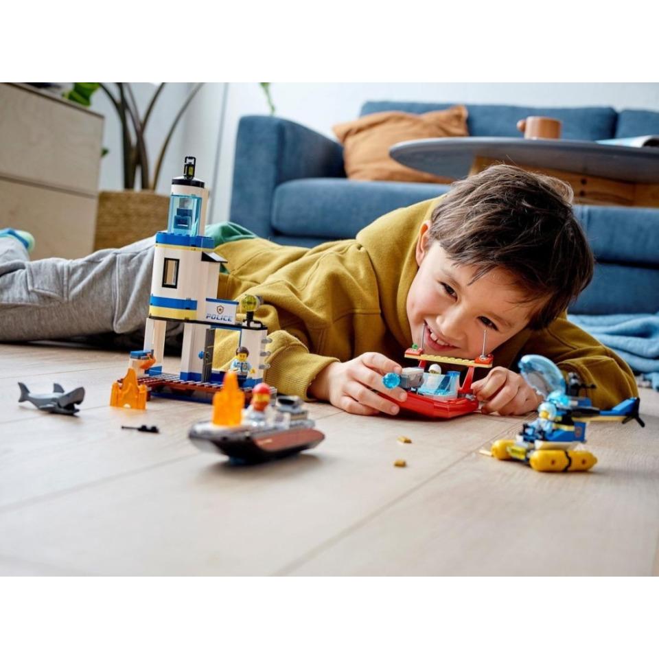 Obrázek 4 produktu LEGO CITY 60308 Pobřežní policie a jednotka hasičů