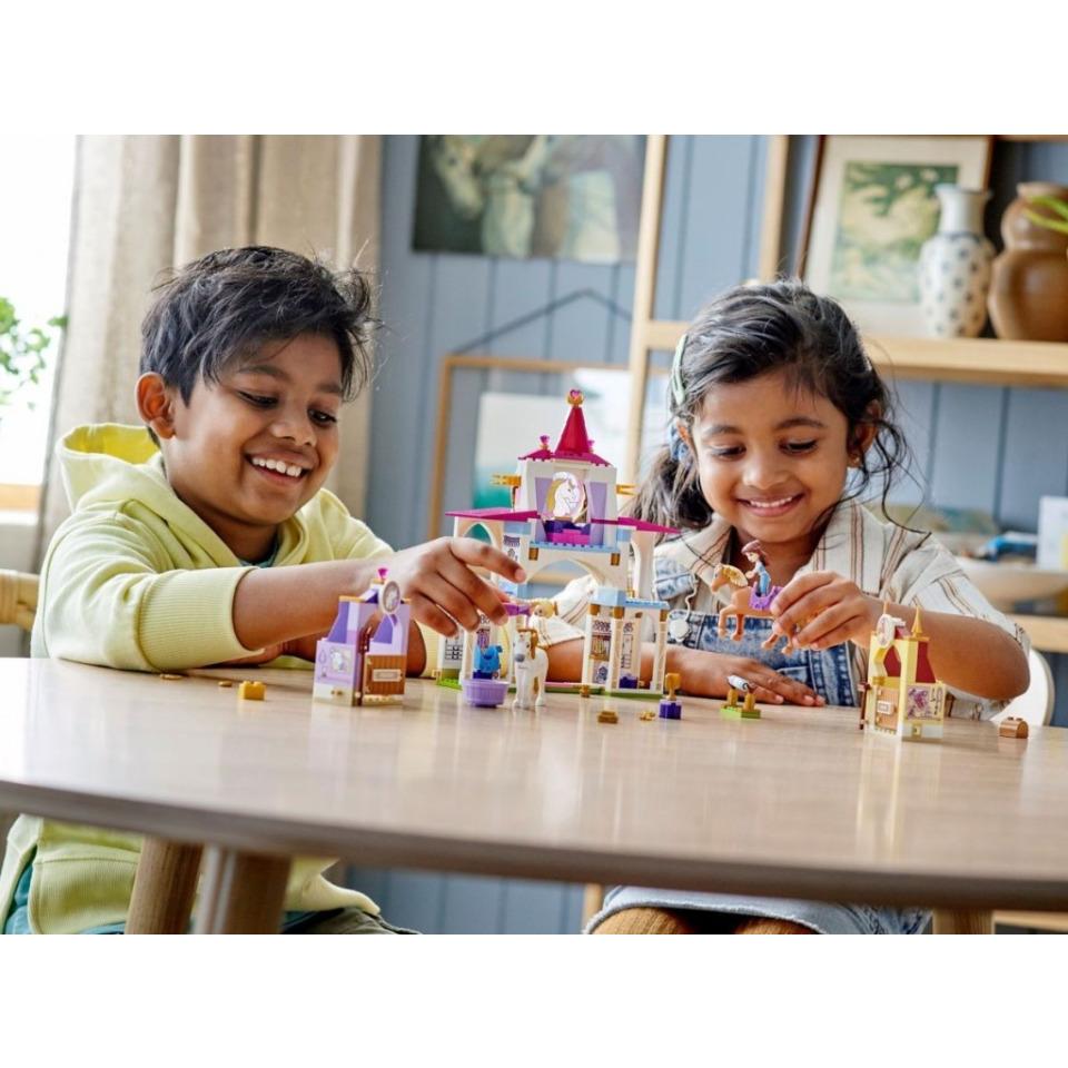 Obrázek 4 produktu LEGO Disney 43195 Královské stáje Krásky a Lociky
