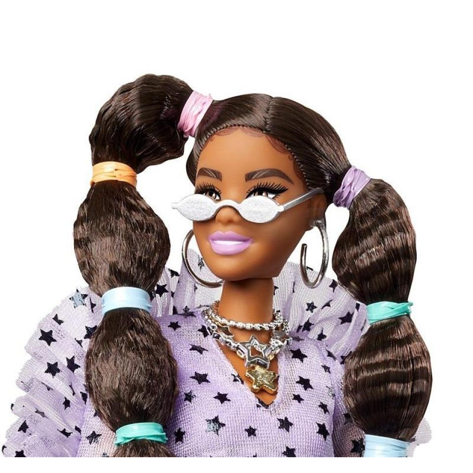 Obrázek 1 produktu Barbie Extra Stylová dlouhovláska se zeleným boa a mazlíčkem, Mattel GXF10