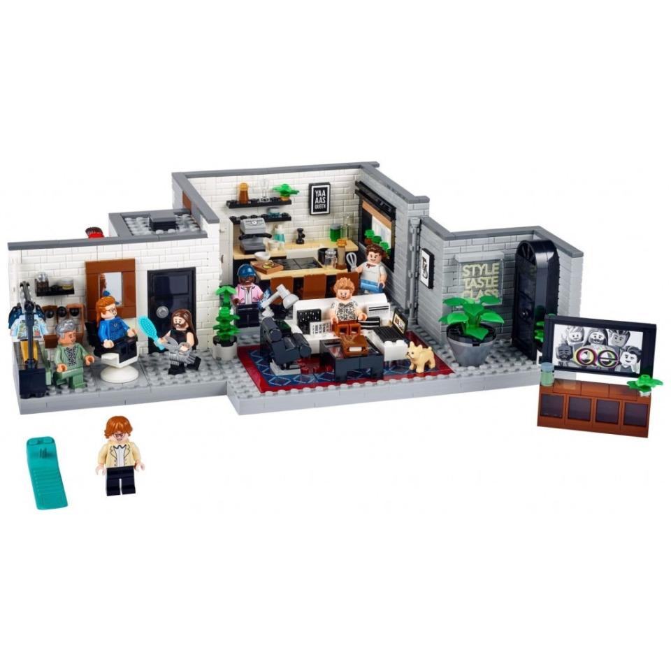 """Obrázek 1 produktu LEGO Creator Expert 10291 Queer tým – byt """"Úžo Pětky"""""""