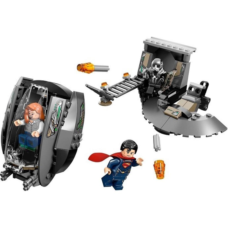 Obrázek 2 produktu LEGO Super Heroes 76009 SuperMan: Únik z Black Zero