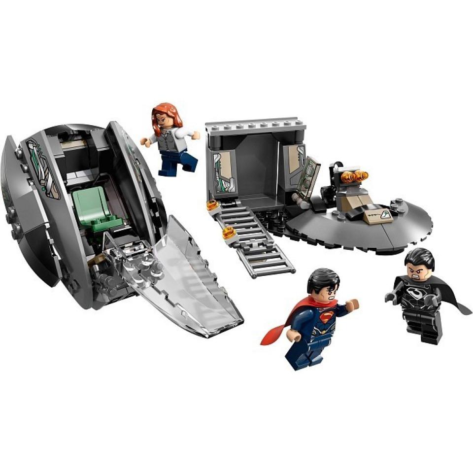 Obrázek 3 produktu LEGO Super Heroes 76009 SuperMan: Únik z Black Zero