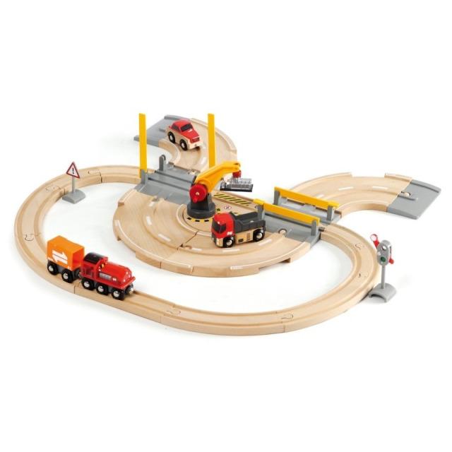 Obrázek produktu BRIO 33208 Vláčkodráha s nákladním vlakem, podjezdem a silnicí
